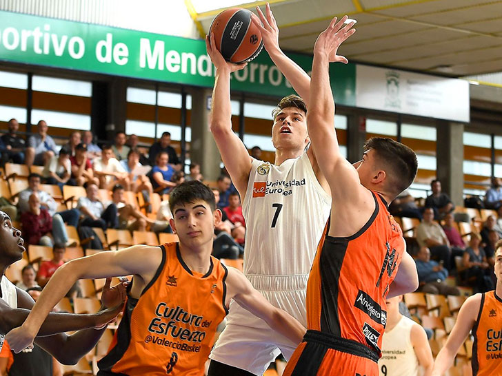 5d1481132 Valencia Basket loses in its first game in the Adidas NGT Finals (54-97)